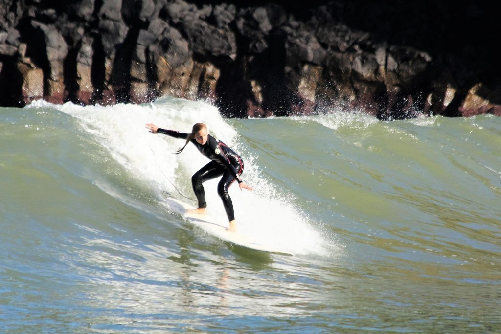 Surfen auf Madeira: In Porto da Cruz