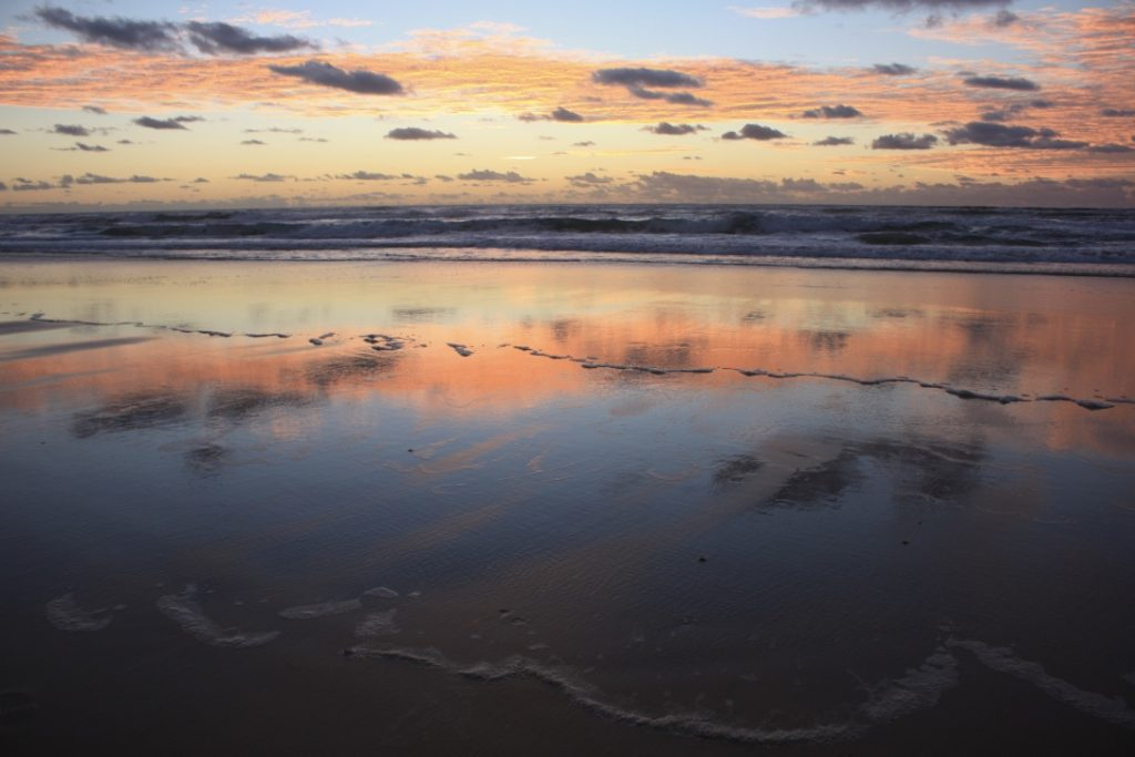 kgari_mirror_sunrise